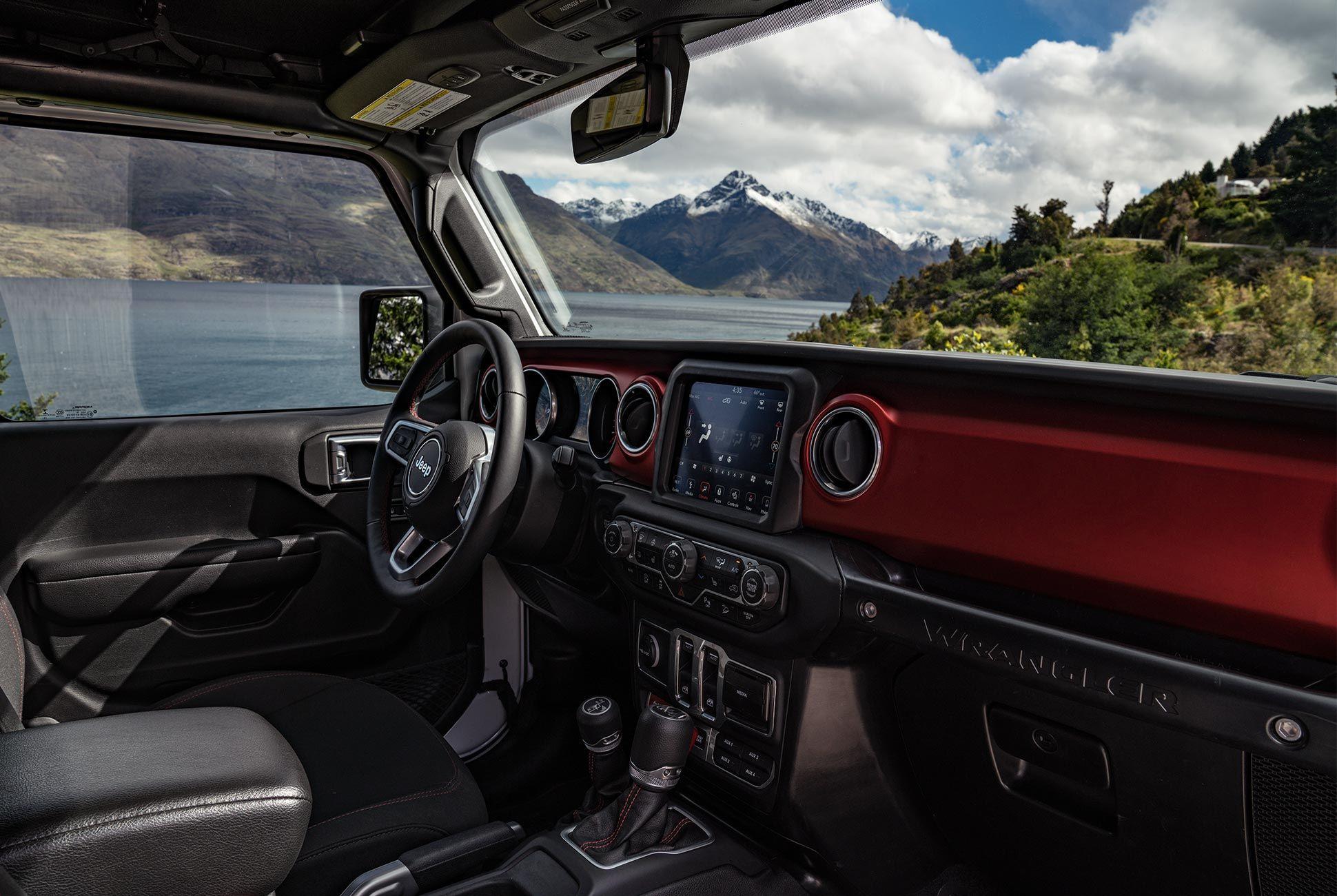 2018-Jeep-Wrangler-Review-gear-patrol-12