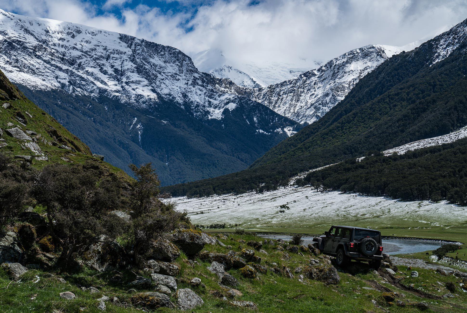 2018-Jeep-Wrangler-Review-gear-patrol-3