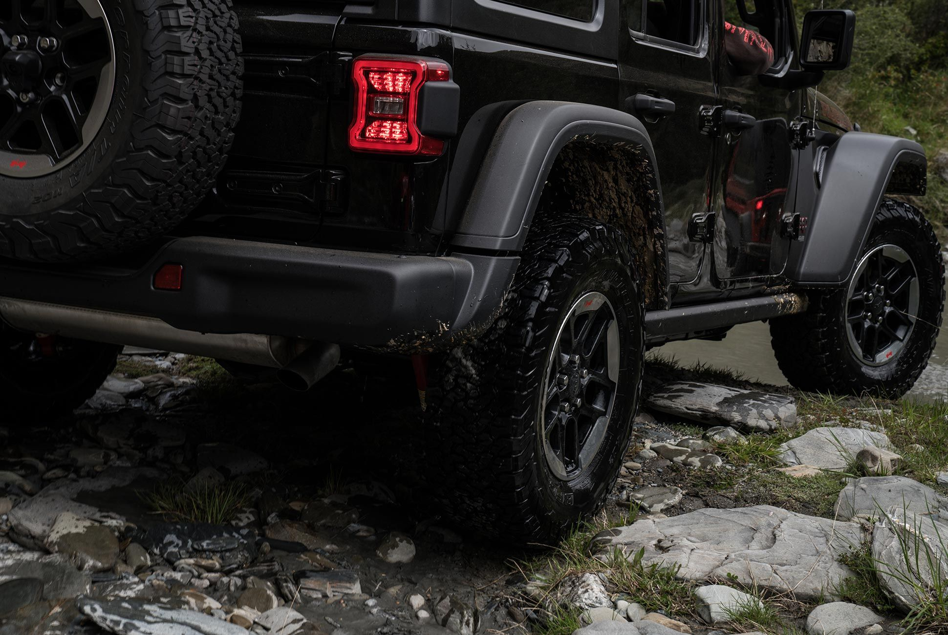2018-Jeep-Wrangler-Review-gear-patrol-4