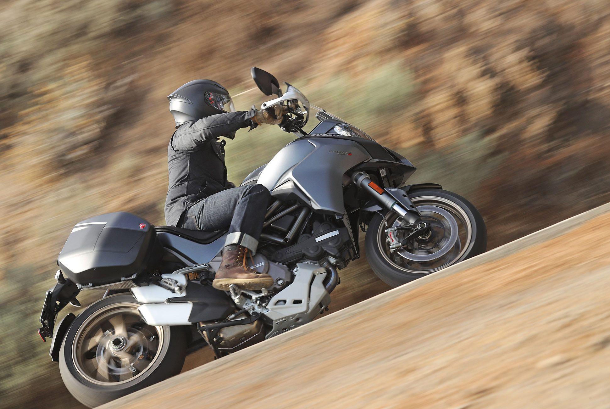 2018-Ducati-MTS-1260-Review-gear-patrol-3