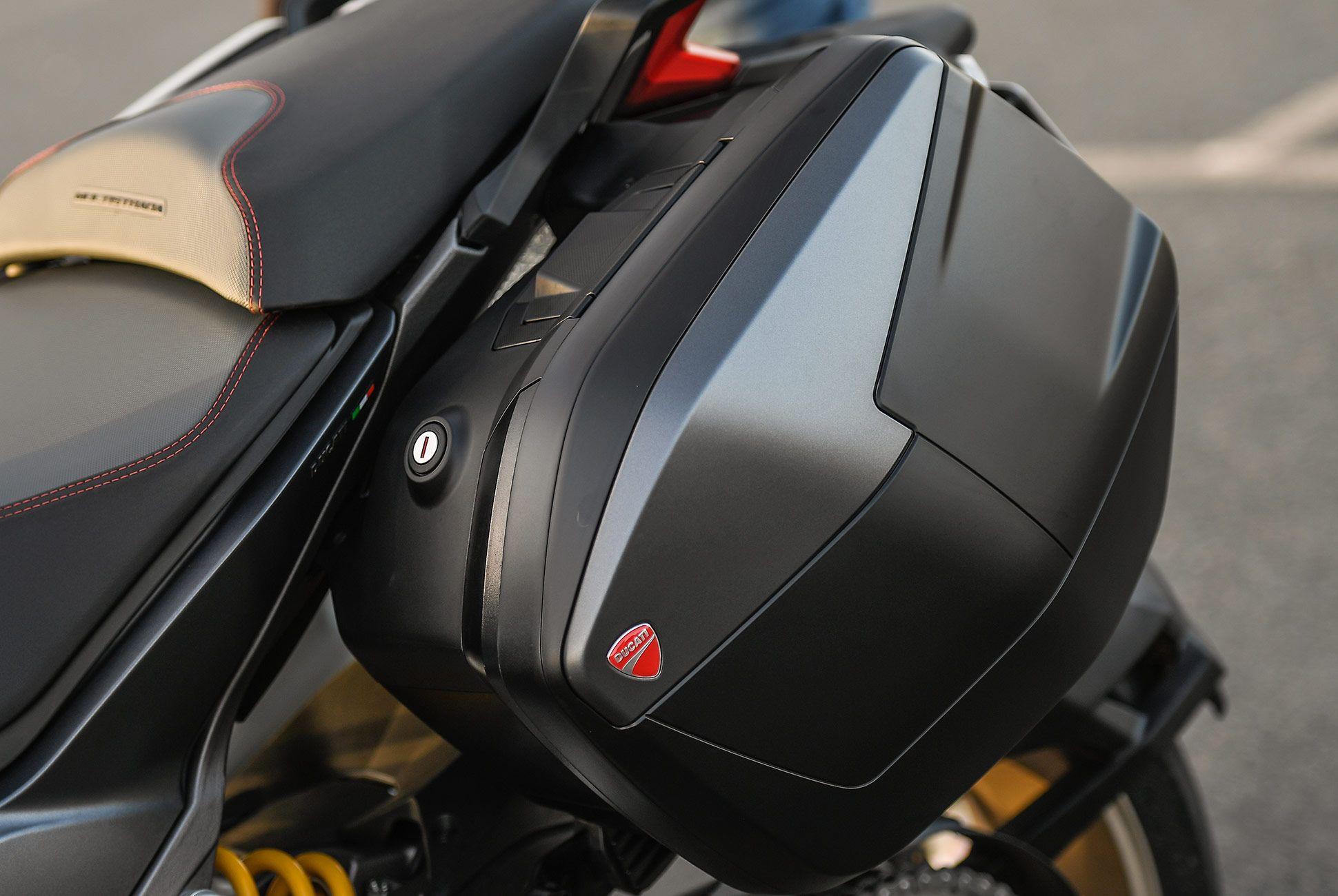 2018-Ducati-MTS-1260-Review-gear-patrol-7