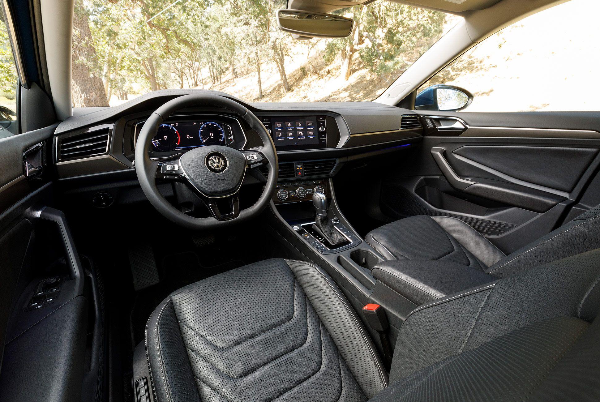 2019-Volkswagen-Jetta-VW-gear-patrol-5