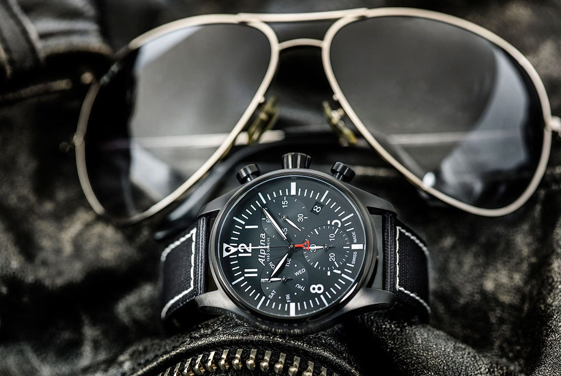 Alpina-Startimer-Pilot-Quartz-Chrono-gear-patrol-4