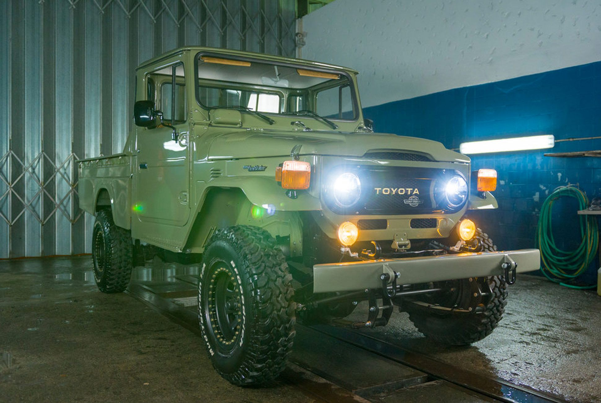 Overland-Pickup-Toyota-gear-patrol-2