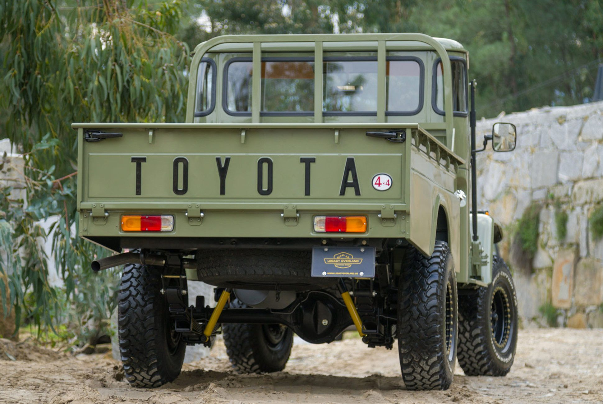 Overland-Pickup-Toyota-gear-patrol-7
