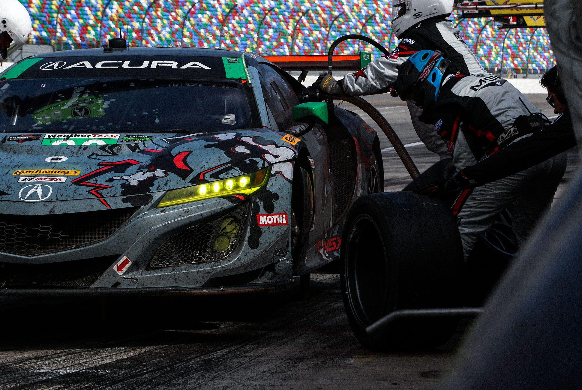 Best-Sports-Cars-of-2018-Daytona-24-Hours-gear-patrol-Acura-NSX-GT3-1