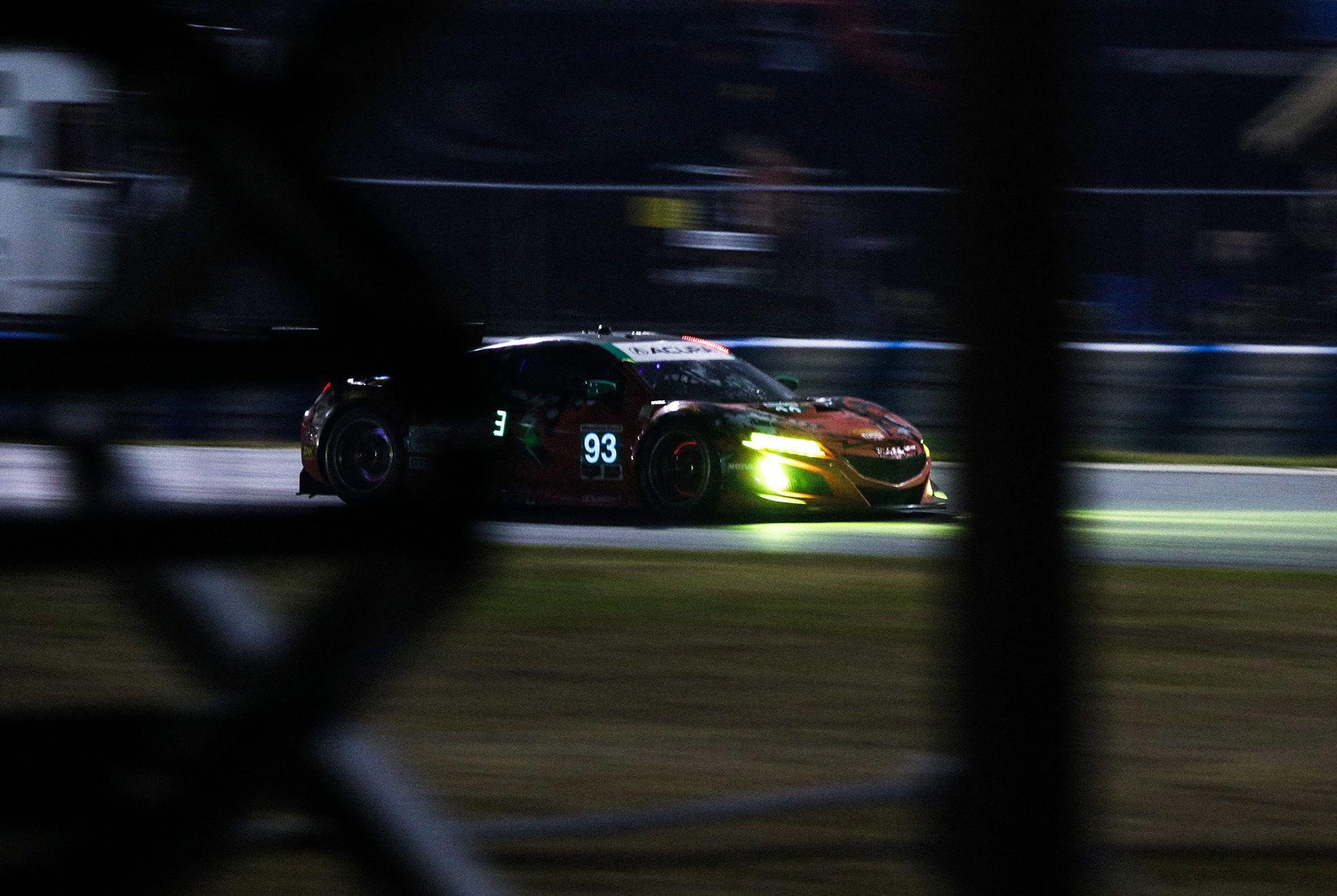 Best-Sports-Cars-of-2018-Daytona-24-Hours-gear-patrol-Acura-NSX-GT3-4