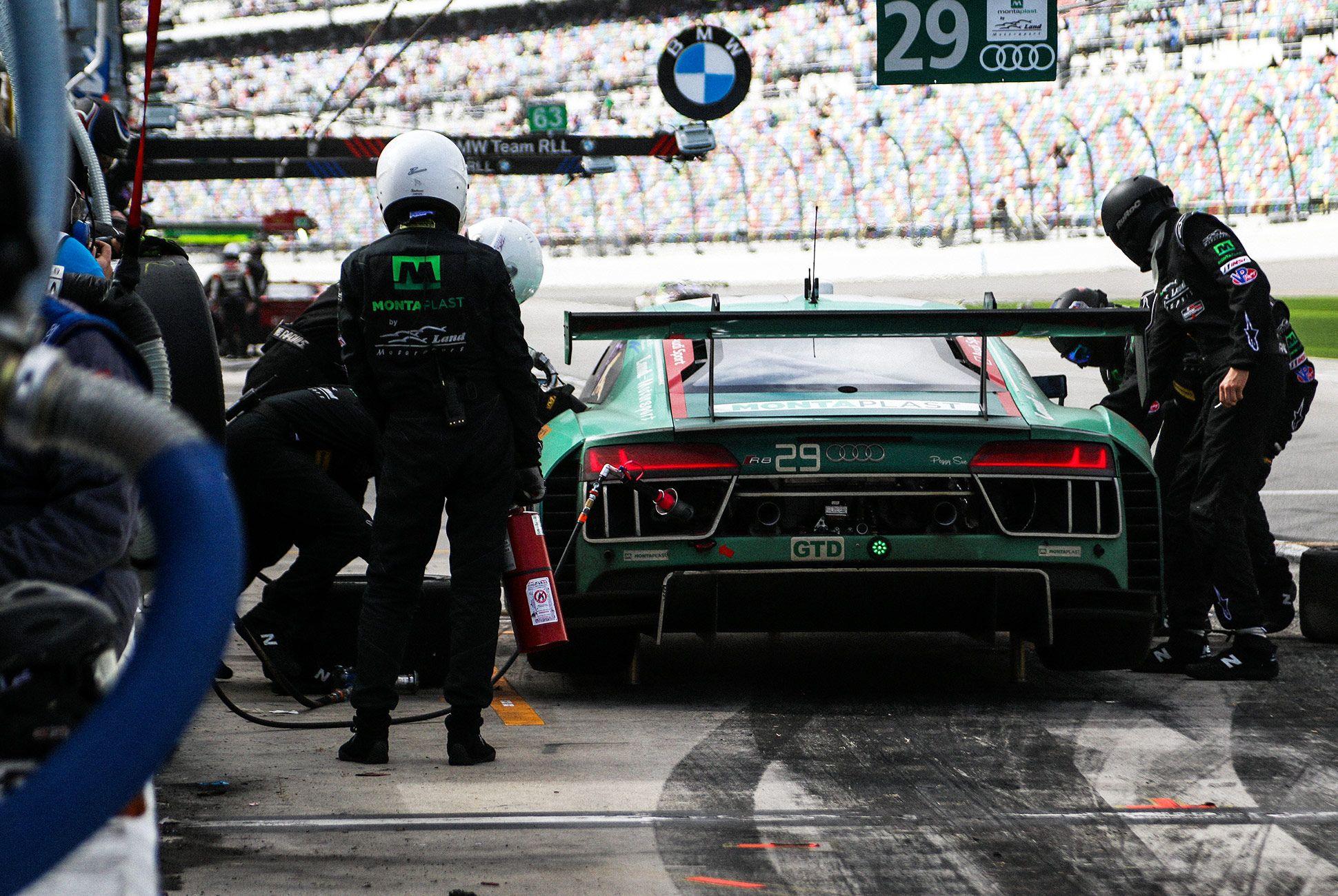 Best-Sports-Cars-of-2018-Daytona-24-Hours-gear-patrol-Audi-R8-LMS-3