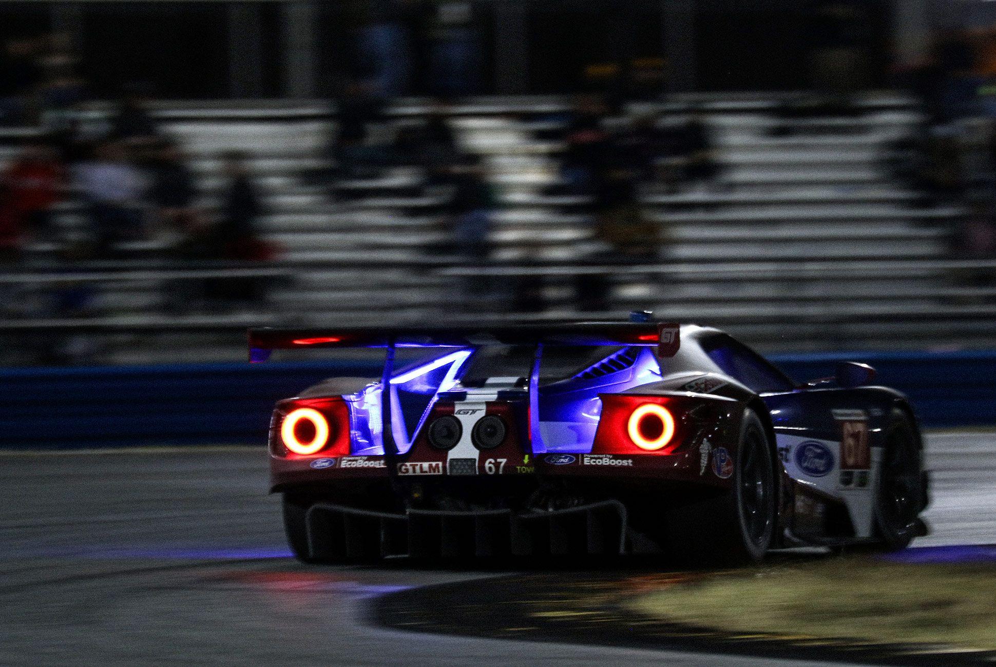 Best-Sports-Cars-of-2018-Daytona-24-Hours-gear-patrol-Ford-GT-2