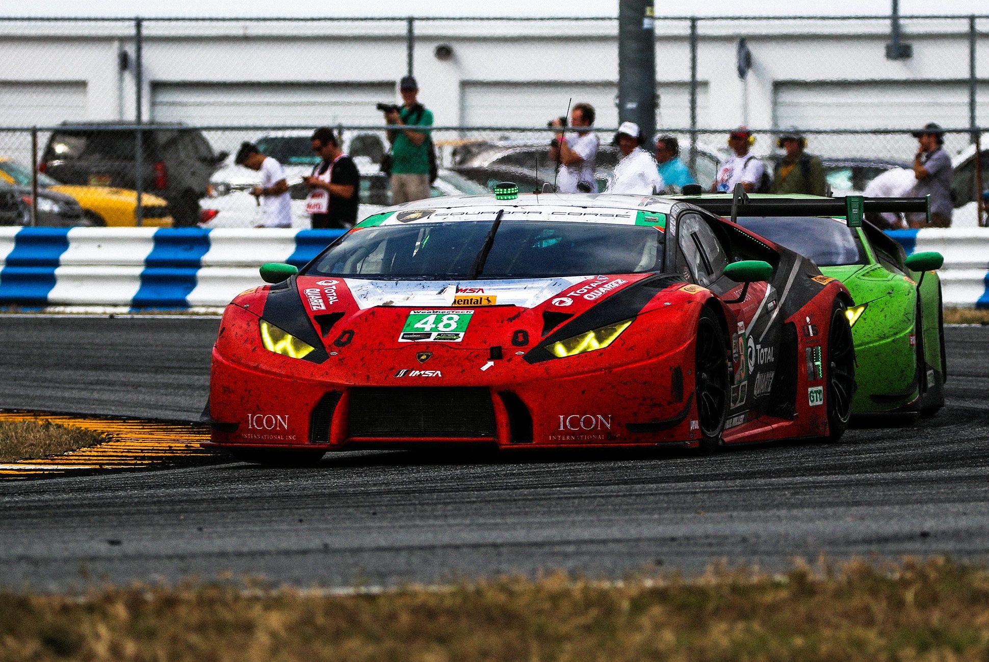 Best-Sports-Cars-of-2018-Daytona-24-Hours-gear-patrol-Lamborghini-Huracan-GT3-1