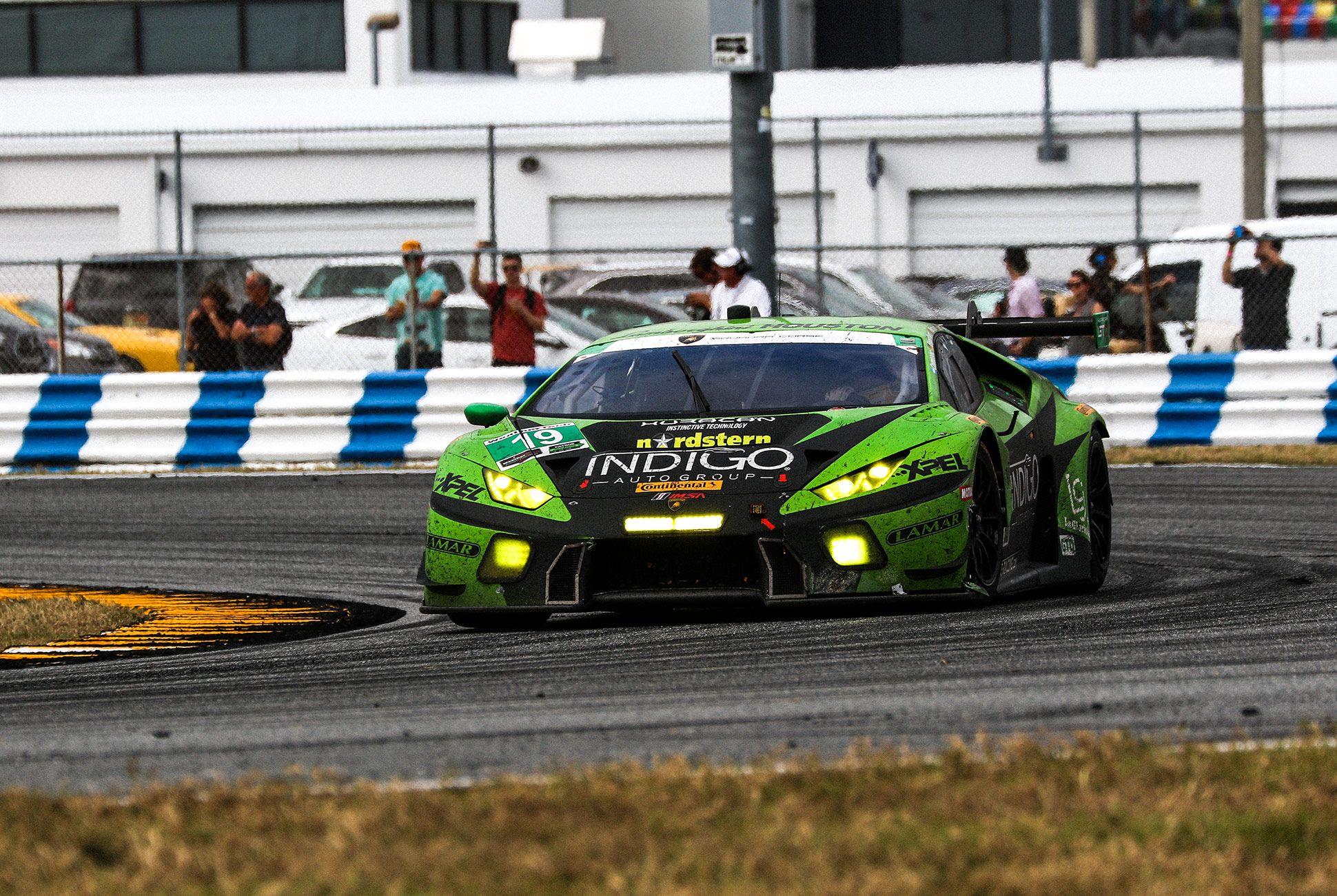 Best-Sports-Cars-of-2018-Daytona-24-Hours-gear-patrol-Lamborghini-Huracan-GT3-2