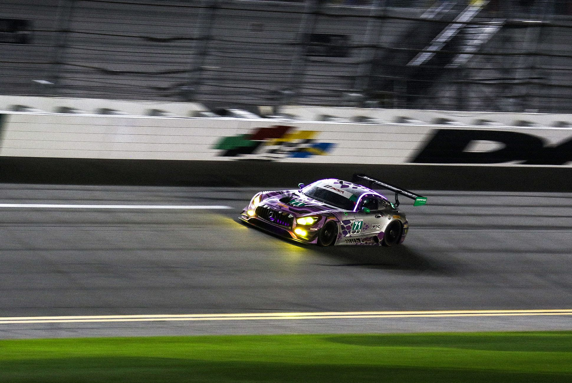Best-Sports-Cars-of-2018-Daytona-24-Hours-gear-patrol-Mercedes-AMG-GT3-3