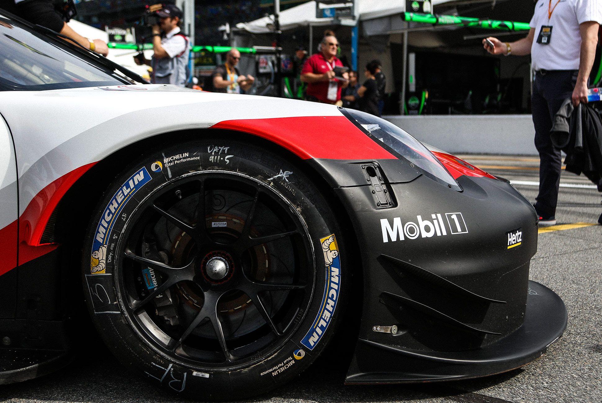 Best-Sports-Cars-of-2018-Daytona-24-Hours-gear-patrol-Porsche-911-RSR-2