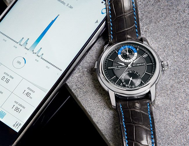 This Watch Combines a Mechanical Movement With Smartwatch Features