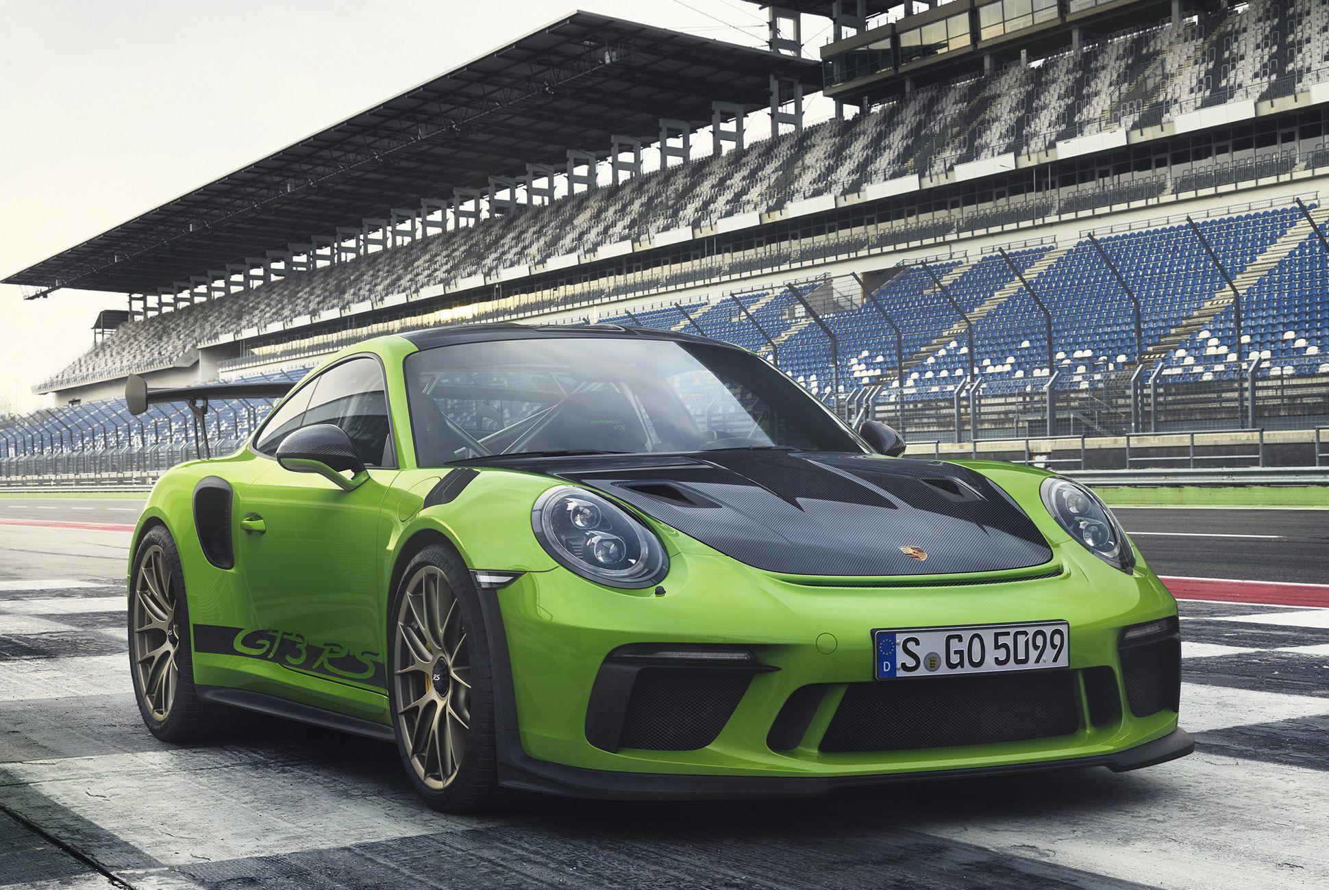 Porsche-911-GT3-RS-991-gear-patrol-slide-1