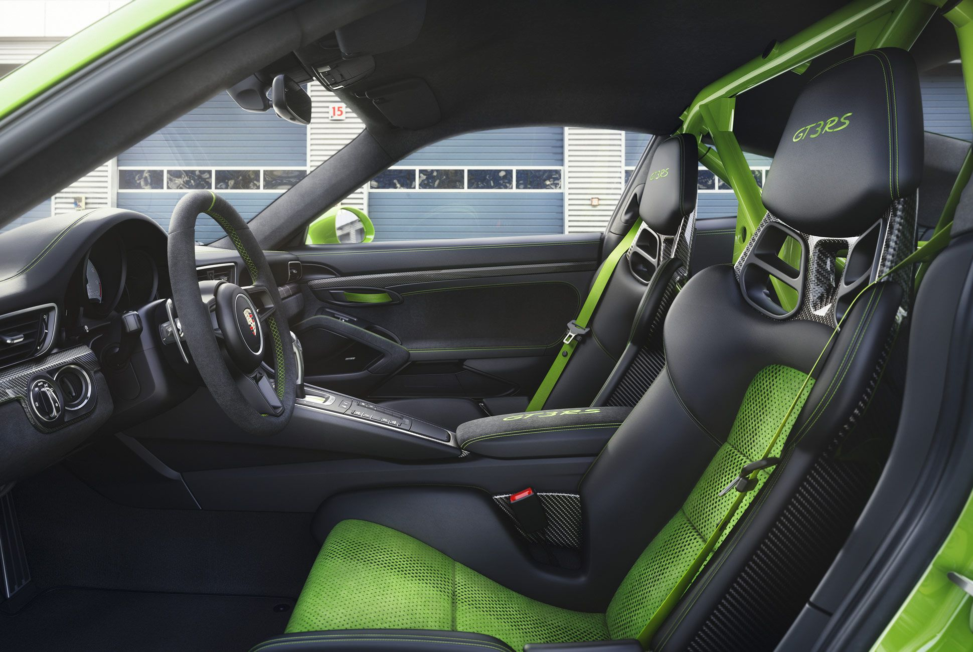 Porsche-911-GT3-RS-991-gear-patrol-slide-5