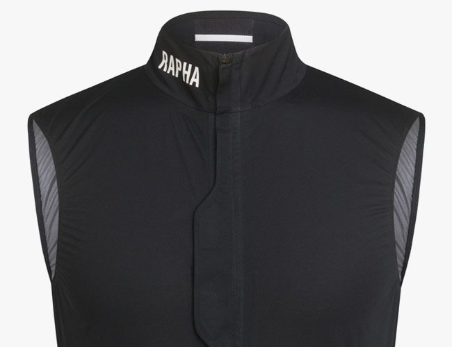 Rapha's New Vest Proves That Waterproof Cycling Clothing Doesn't Have to Be Bulky (Or Ugly)