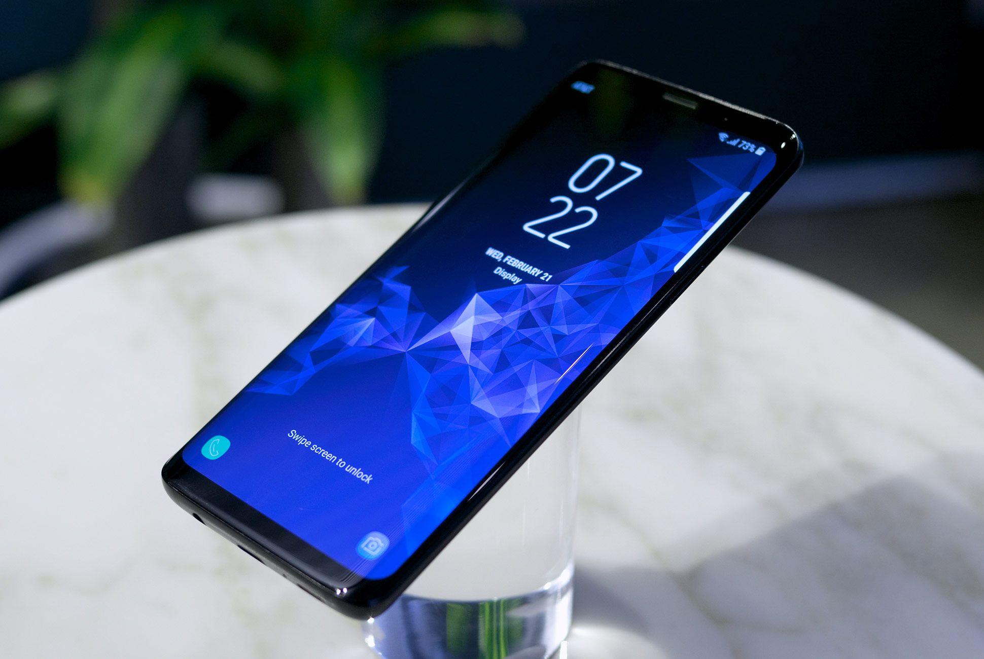 Samsung-Galaxy-S9-gear-patrol-4
