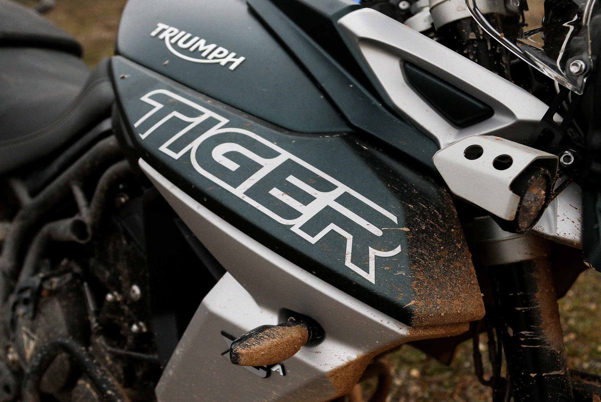 Triumph-Tiger-800-Review-gear-patrol-slide-11
