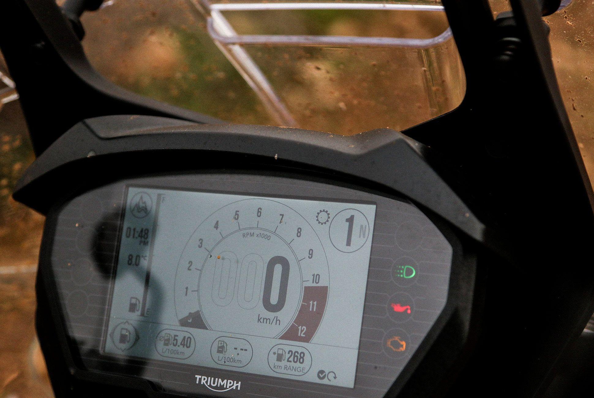 Triumph-Tiger-800-Review-gear-patrol-slide-12