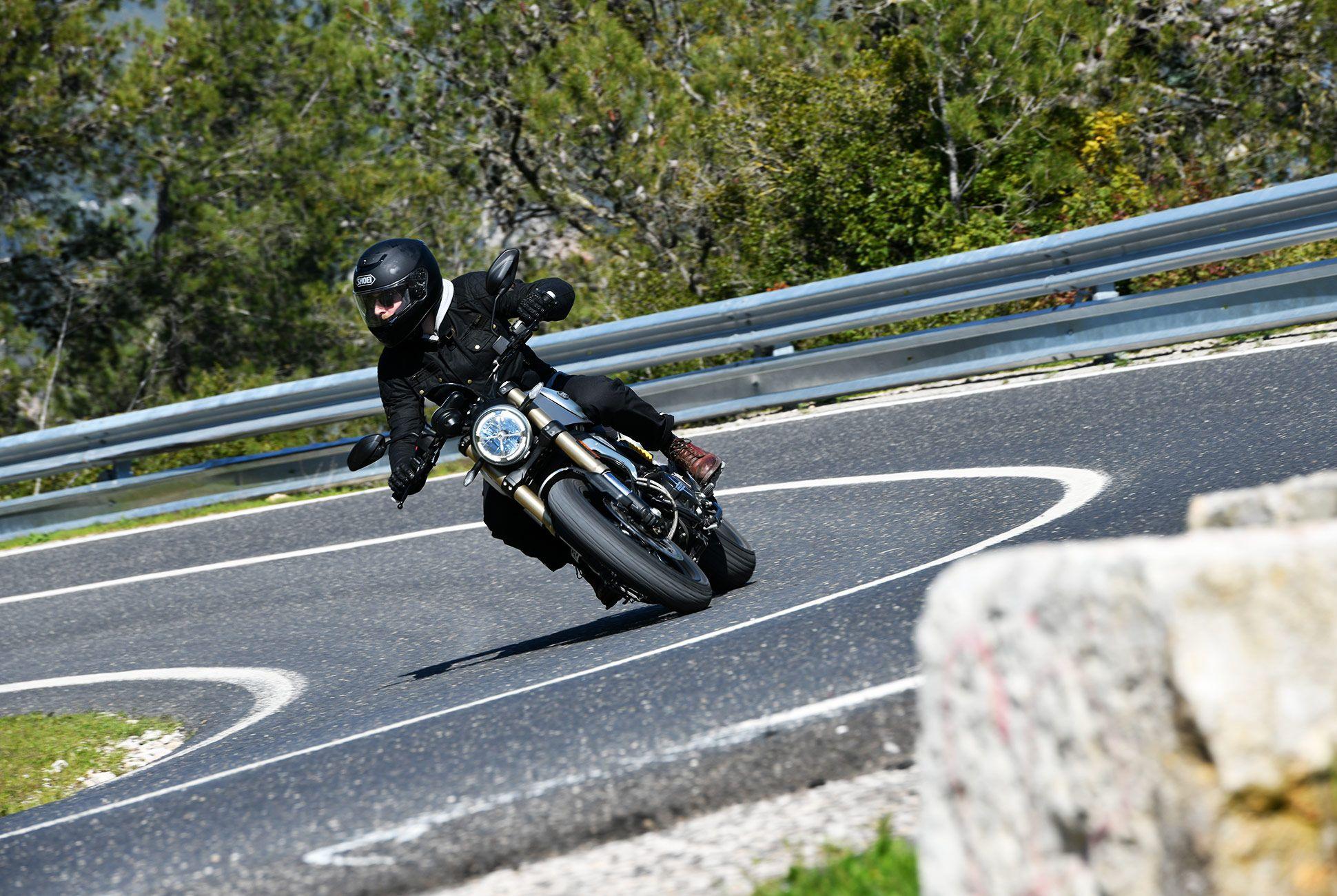 Ducati-Scrambler-1100-gear-patrol-slide-1