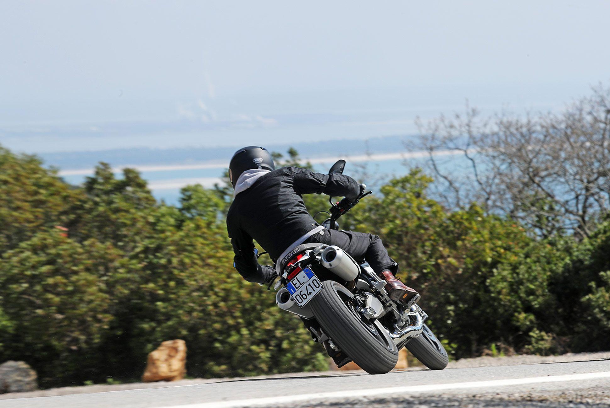 Ducati-Scrambler-1100-gear-patrol-slide-2
