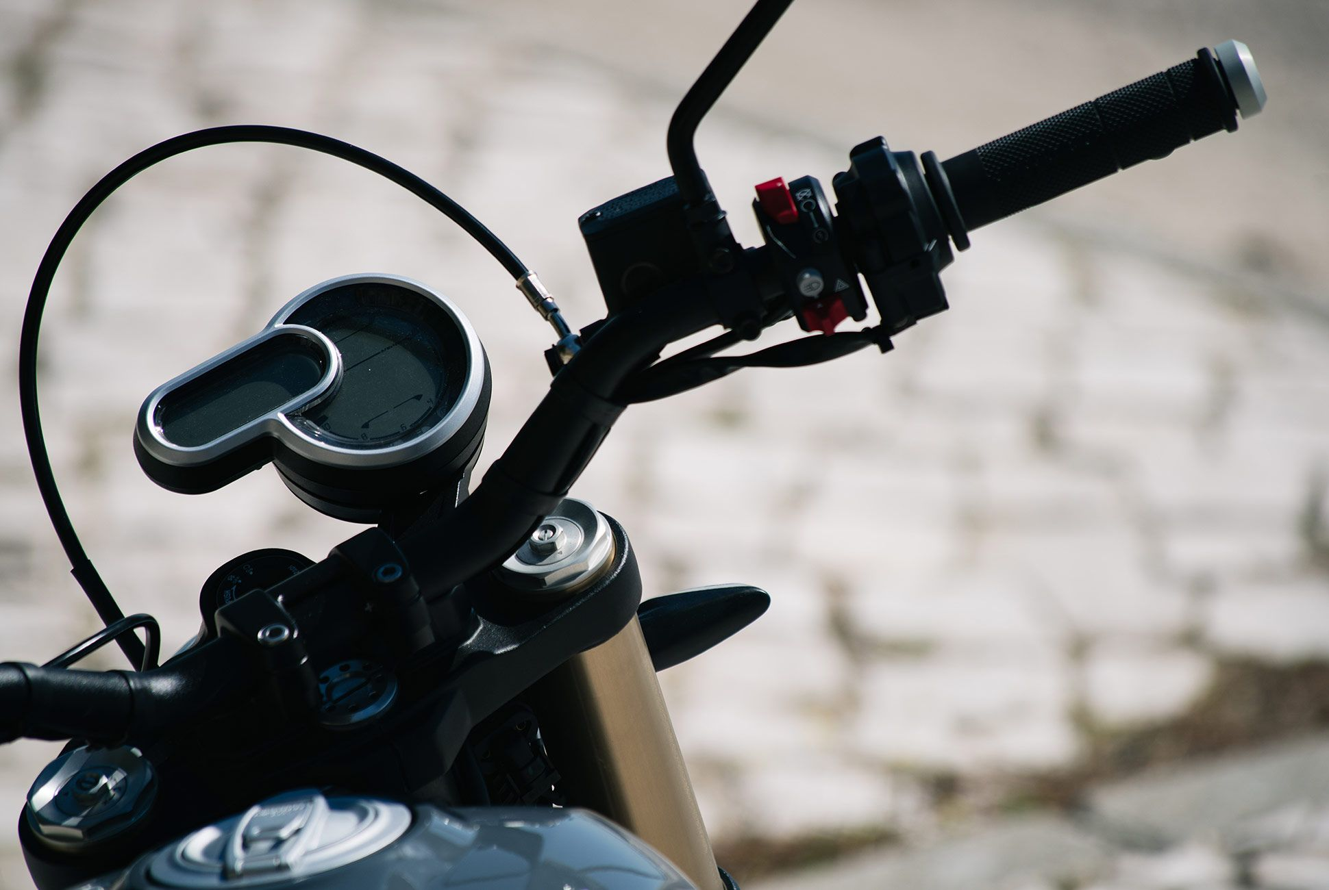 Ducati-Scrambler-1100-gear-patrol-slide-7
