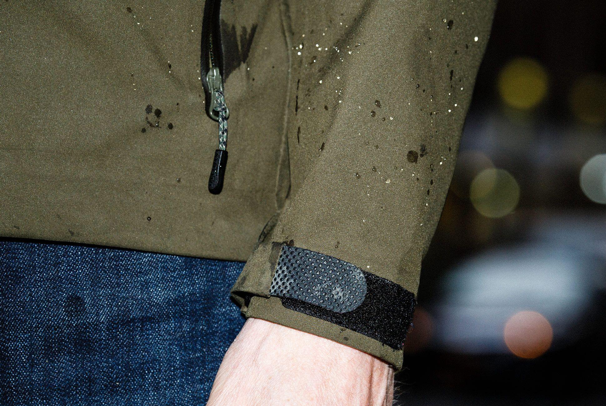 Filson-Neoshell-Reliance-Rainjacket-gear-patrol-slide-5