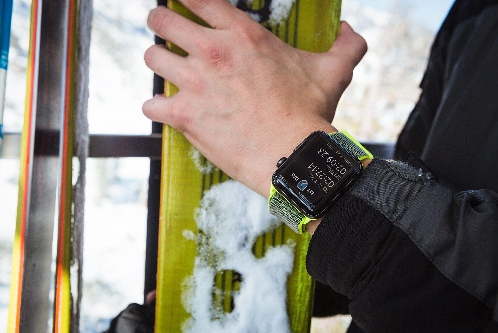 apple-watch-ski-track-gear-patrol-slide-4