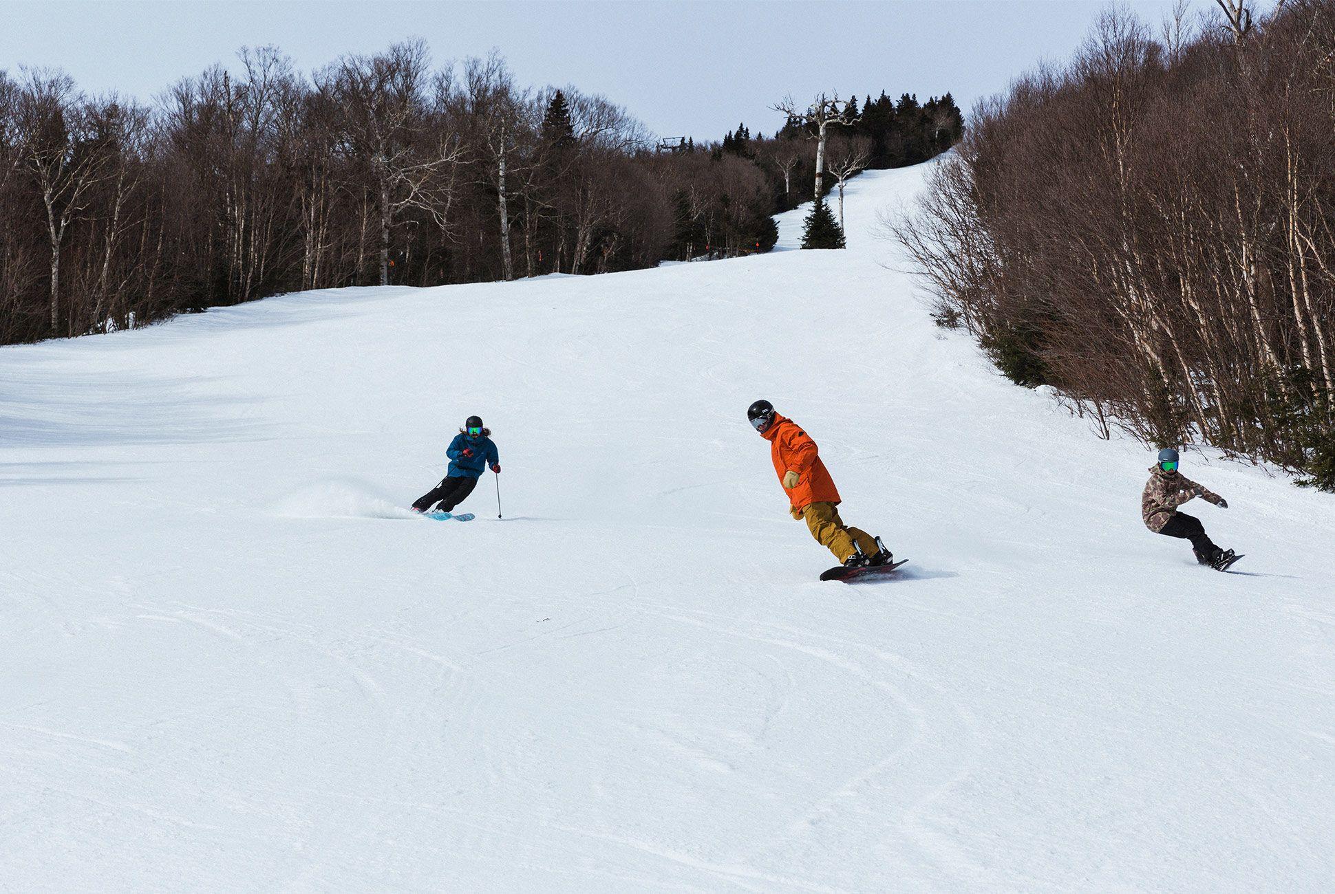 ultimate-ski-and-snow-gear-patrol-dakine-slide-5