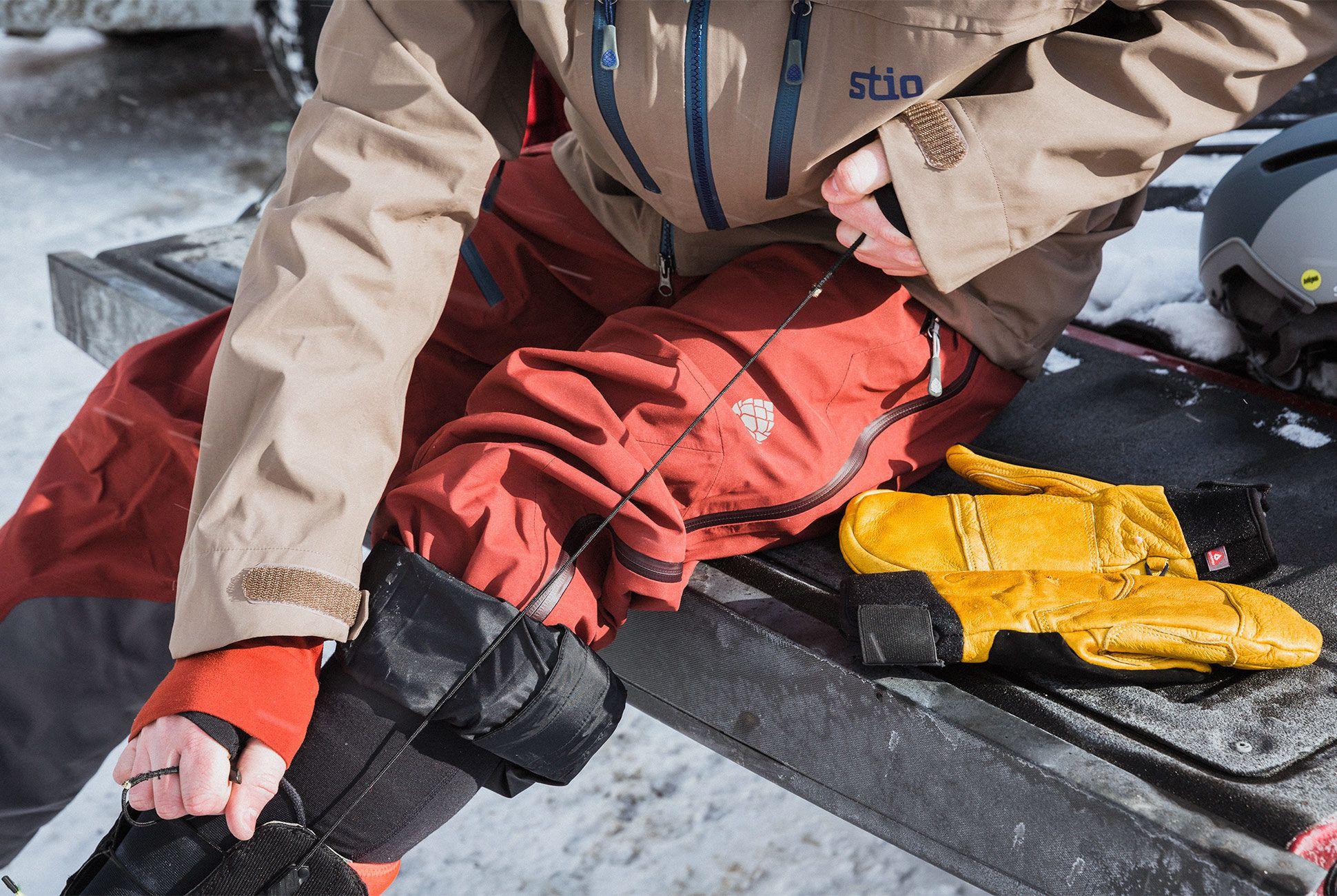 ultimate-ski-and-snow-gear-patrol-stio-slide-4