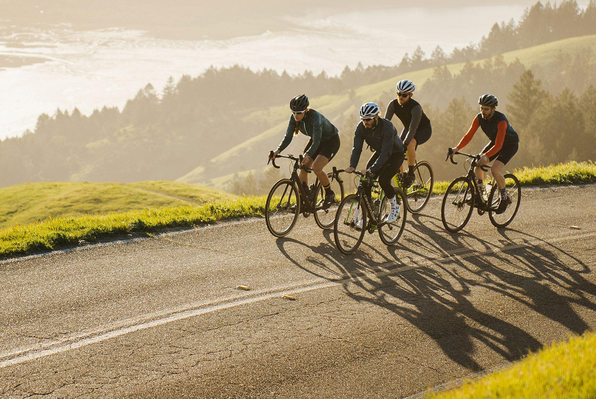 sheriffs host bike road - HD1940×1300