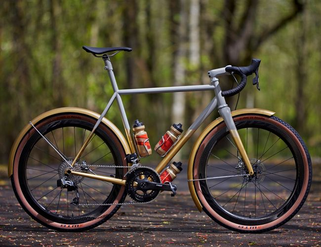 Can't Afford a Custom Bike? Look at Photos of This One Anyway