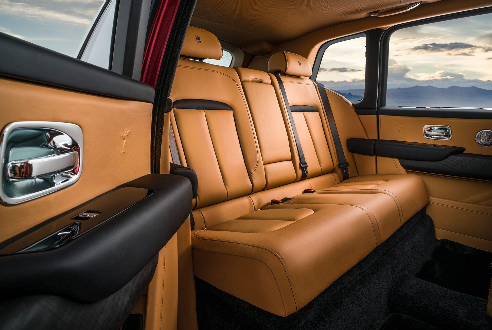 Rolls-Royce-Cullinan-gear-patrol-slide-11