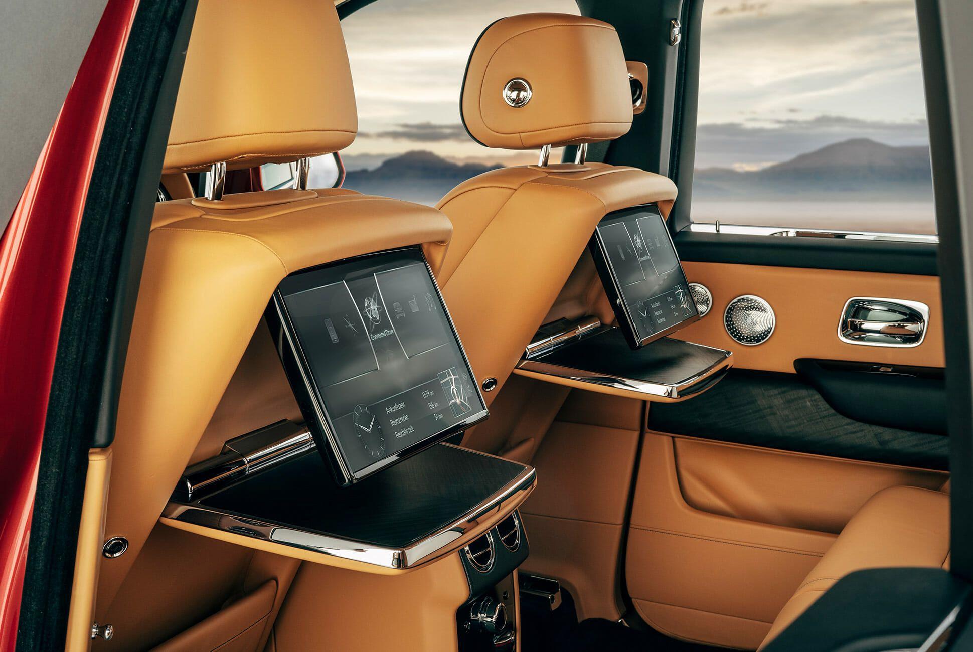 Rolls-Royce-Cullinan-gear-patrol-slide-12