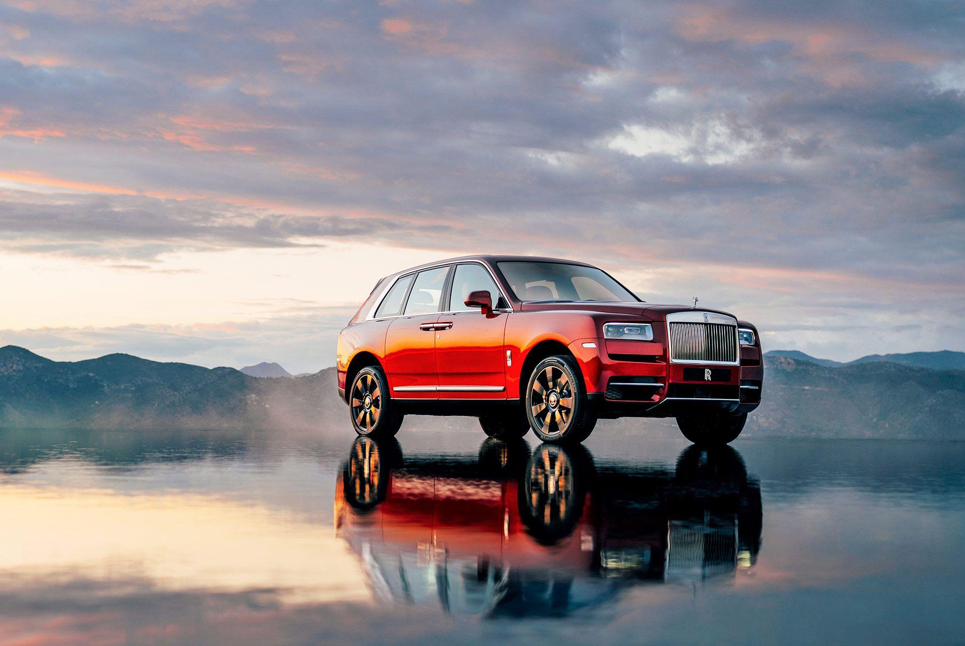 Rolls-Royce-Cullinan-gear-patrol-slide-3