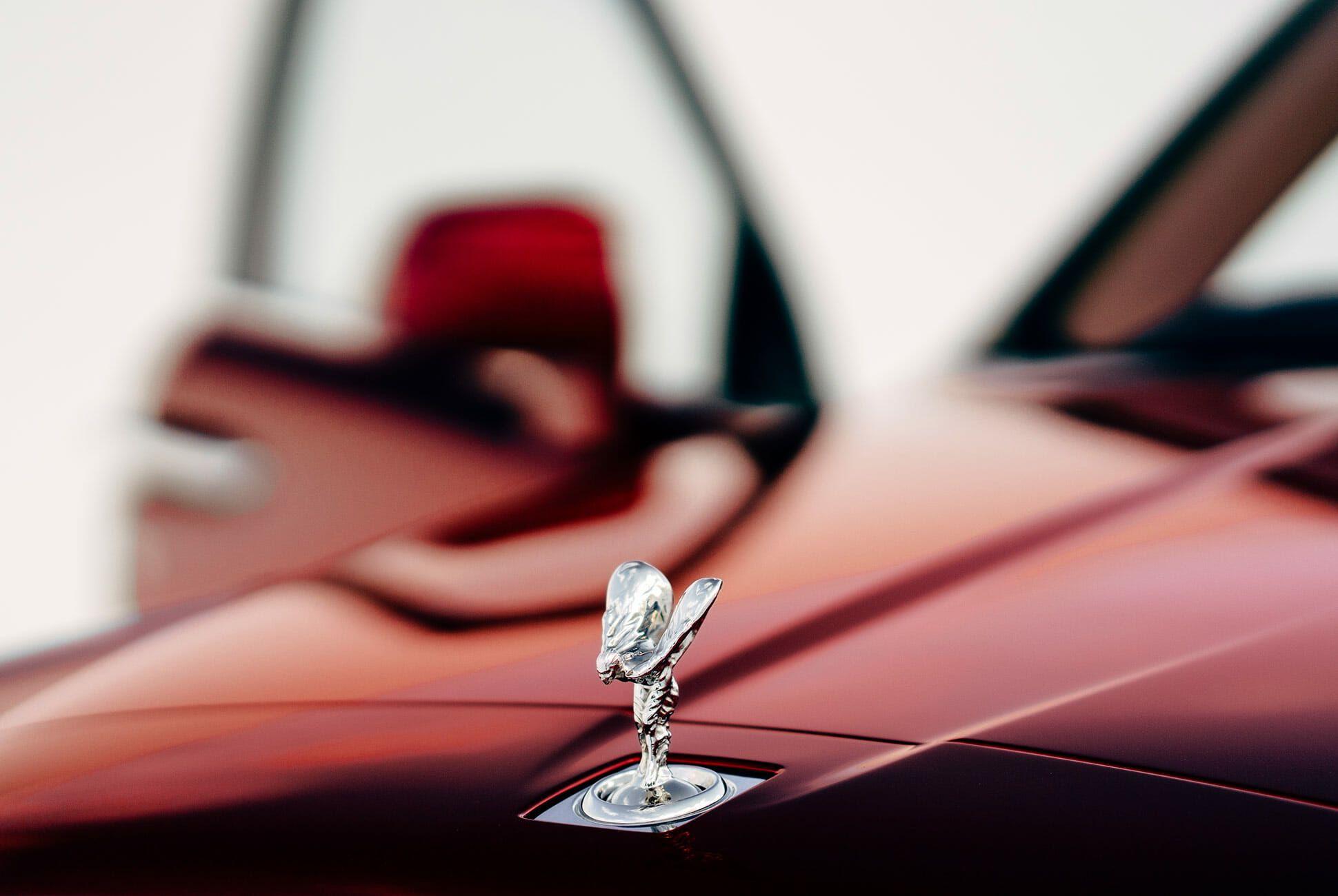 Rolls-Royce-Cullinan-gear-patrol-slide-7