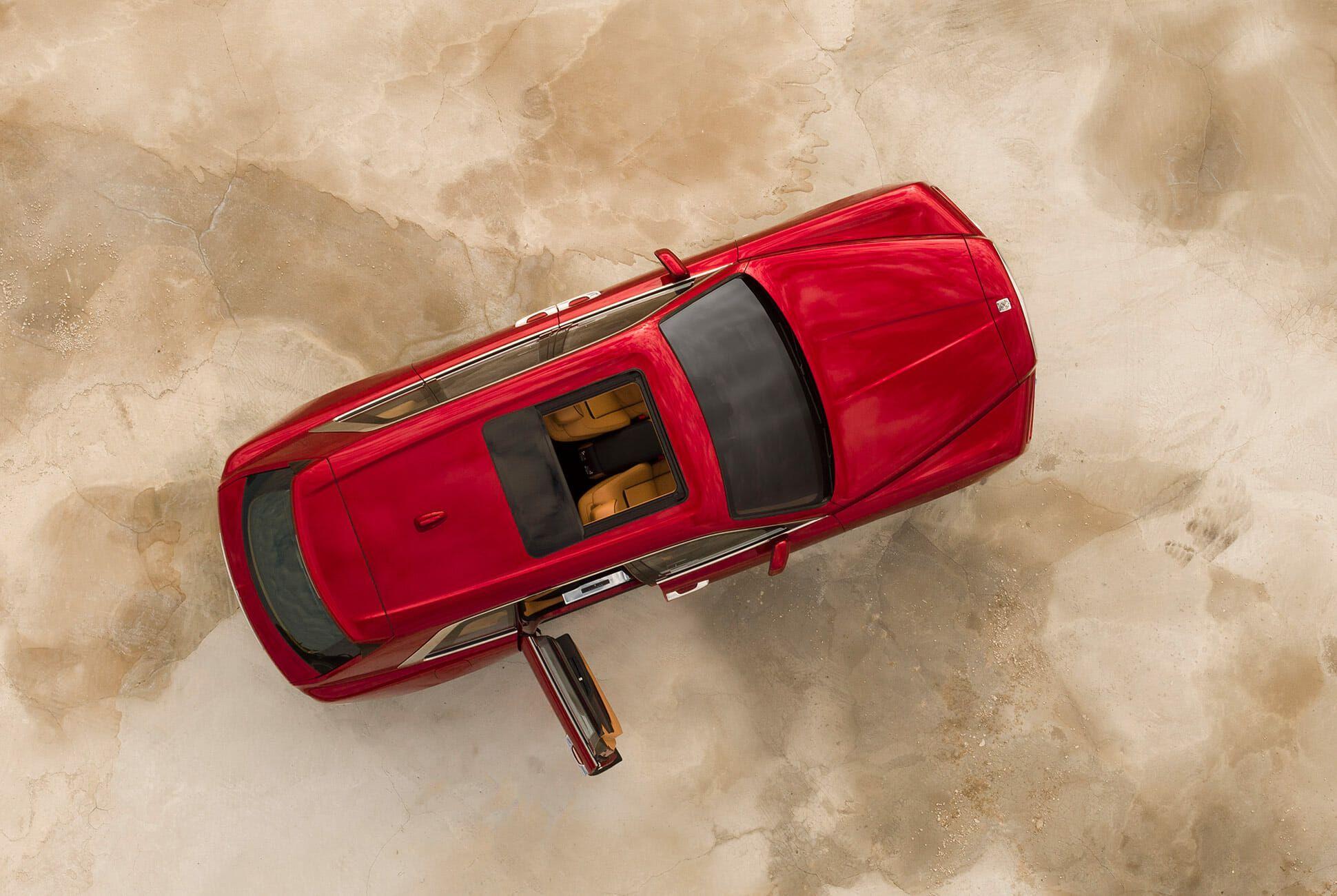 Rolls-Royce-Cullinan-gear-patrol-slide-9