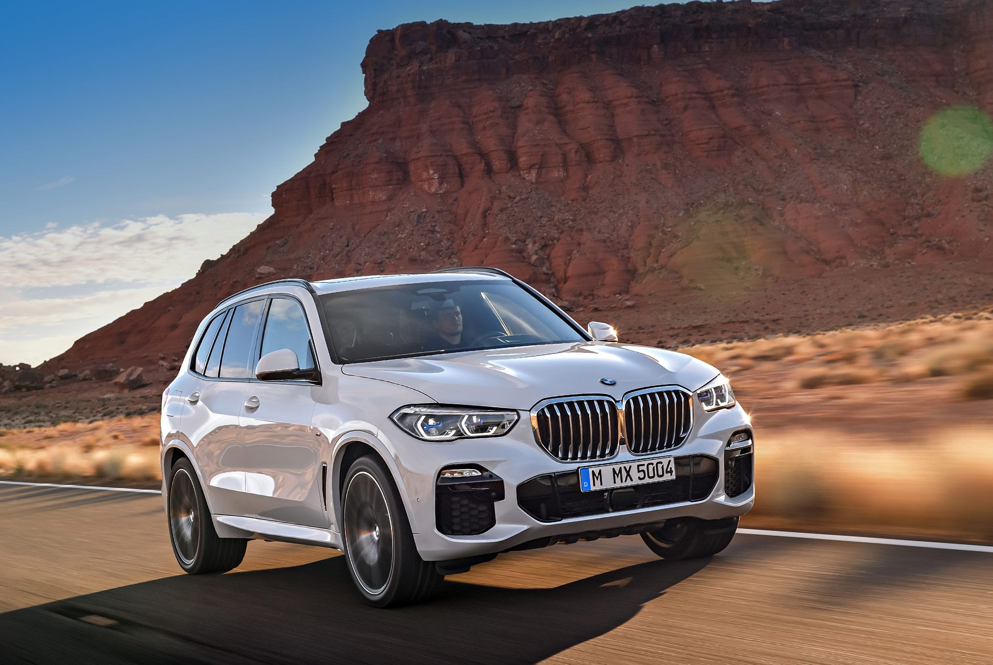 2019-BMW-X5-gear-patrol-slide-1