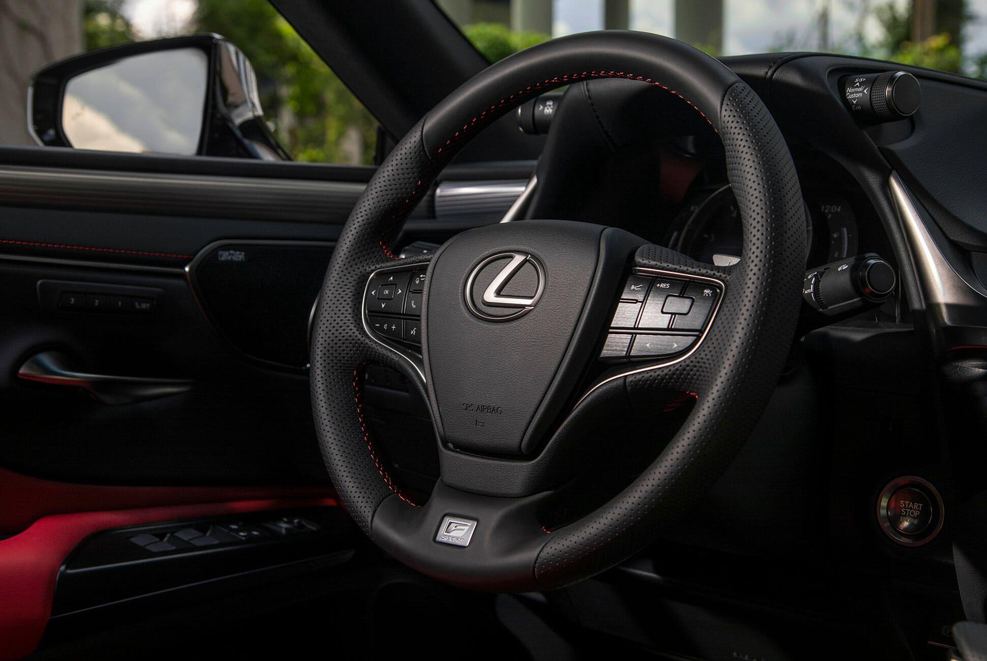 2019-Lexus-ES-350-F-Sport-Review-gear-patrol-slide-10