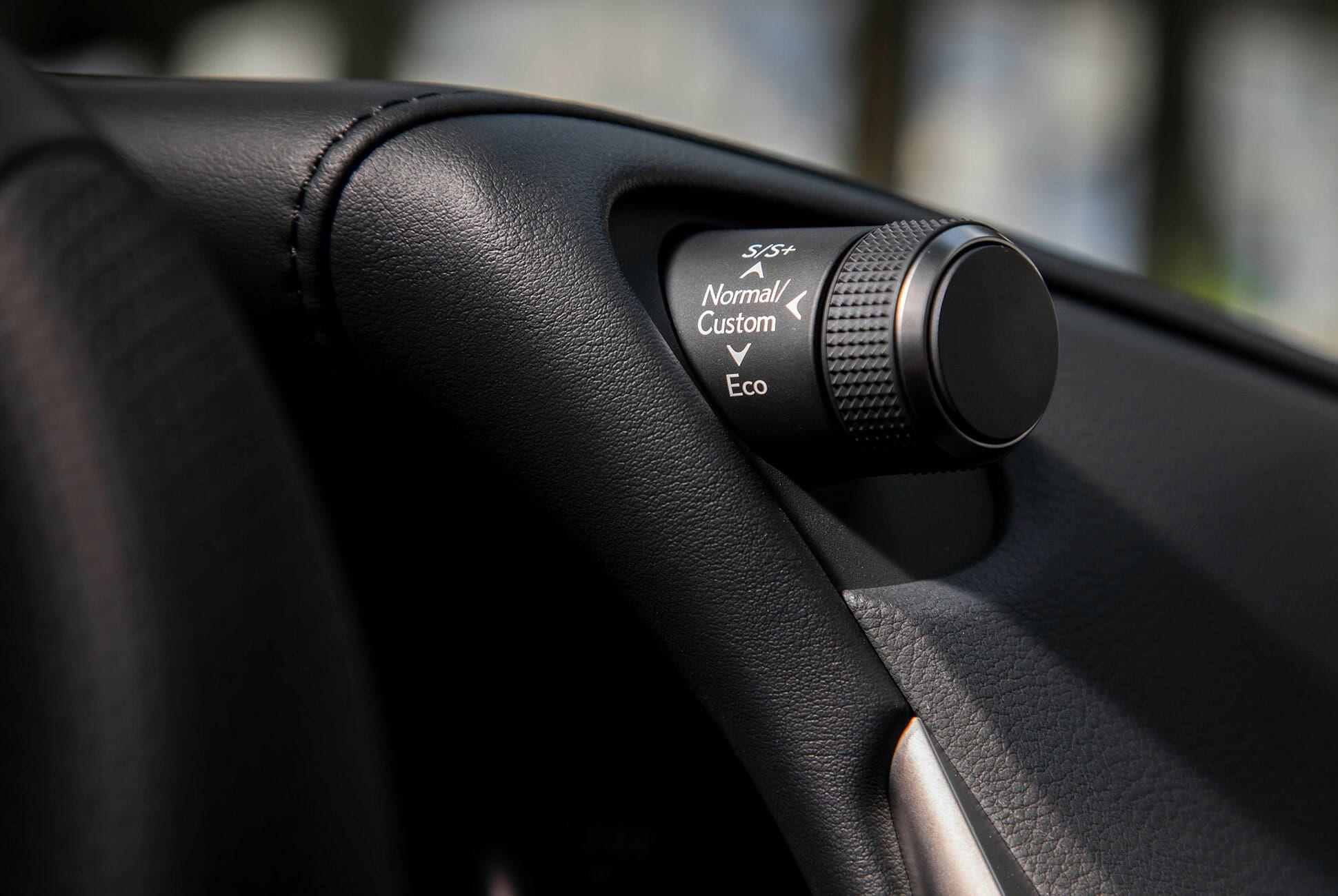 2019-Lexus-ES-350-F-Sport-Review-gear-patrol-slide-15