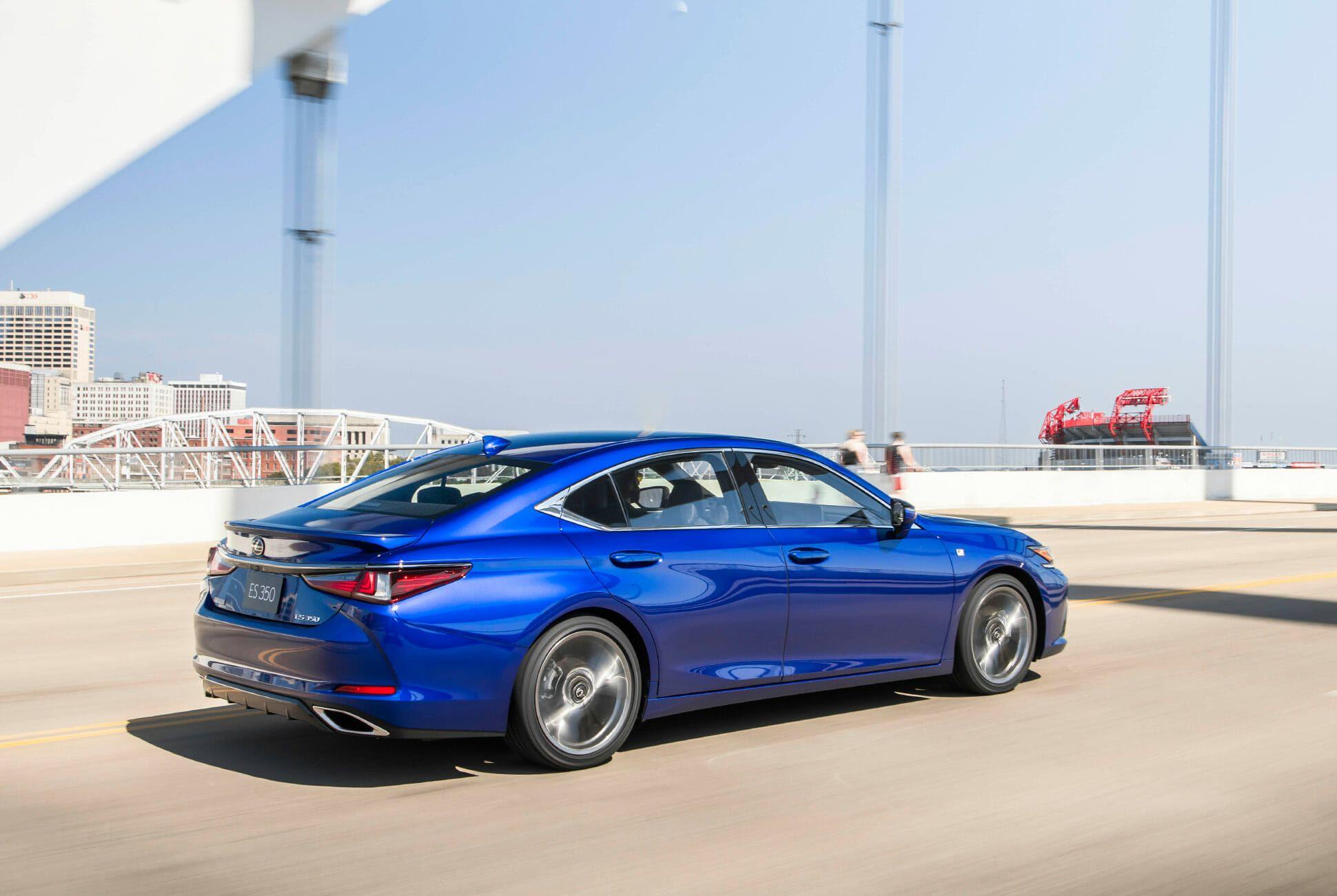 2019-Lexus-ES-350-F-Sport-Review-gear-patrol-slide-8