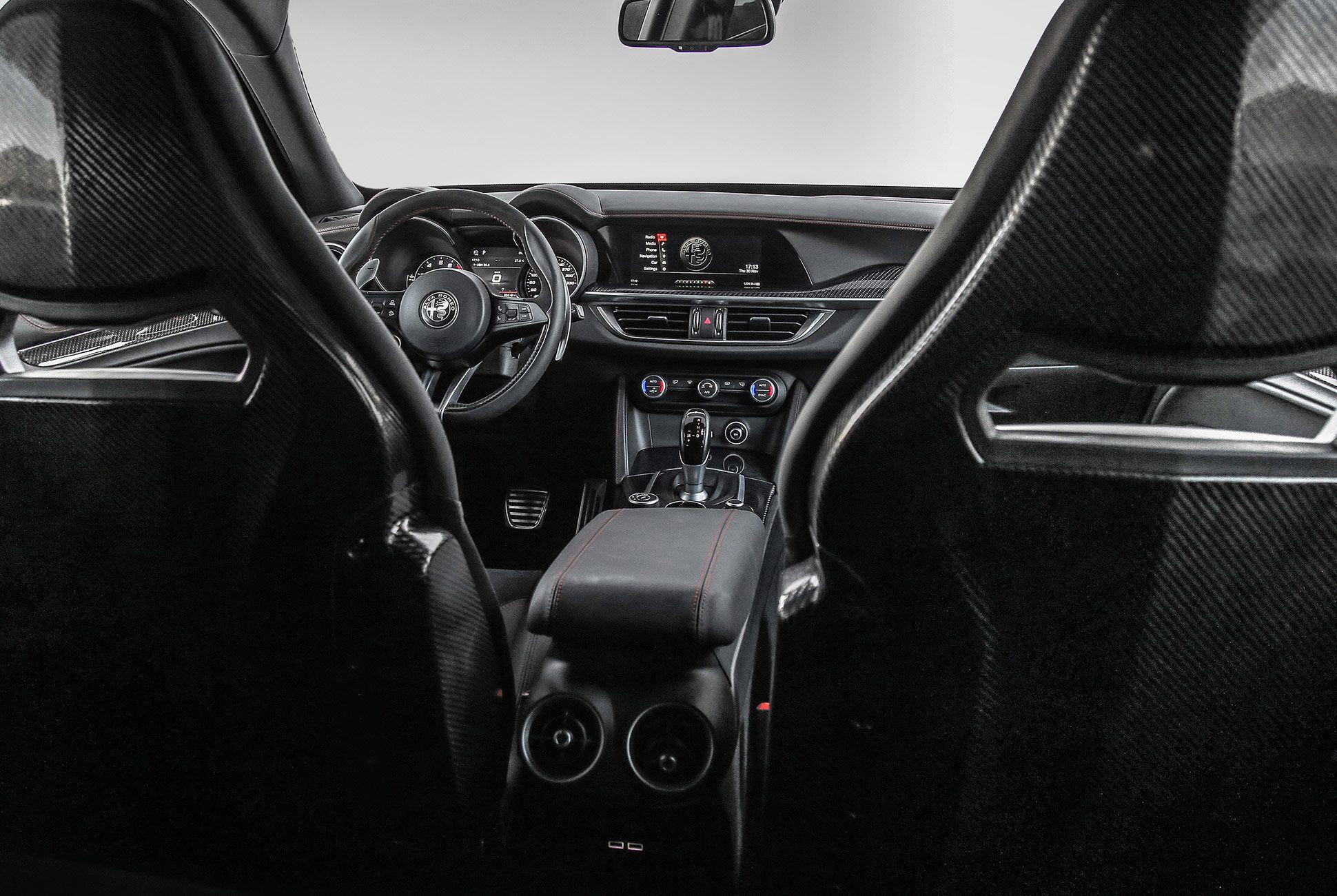 Alfa-Romeo-Quadrifoglio-Stelvia-and-Giulia-gear-patrol-slide-11