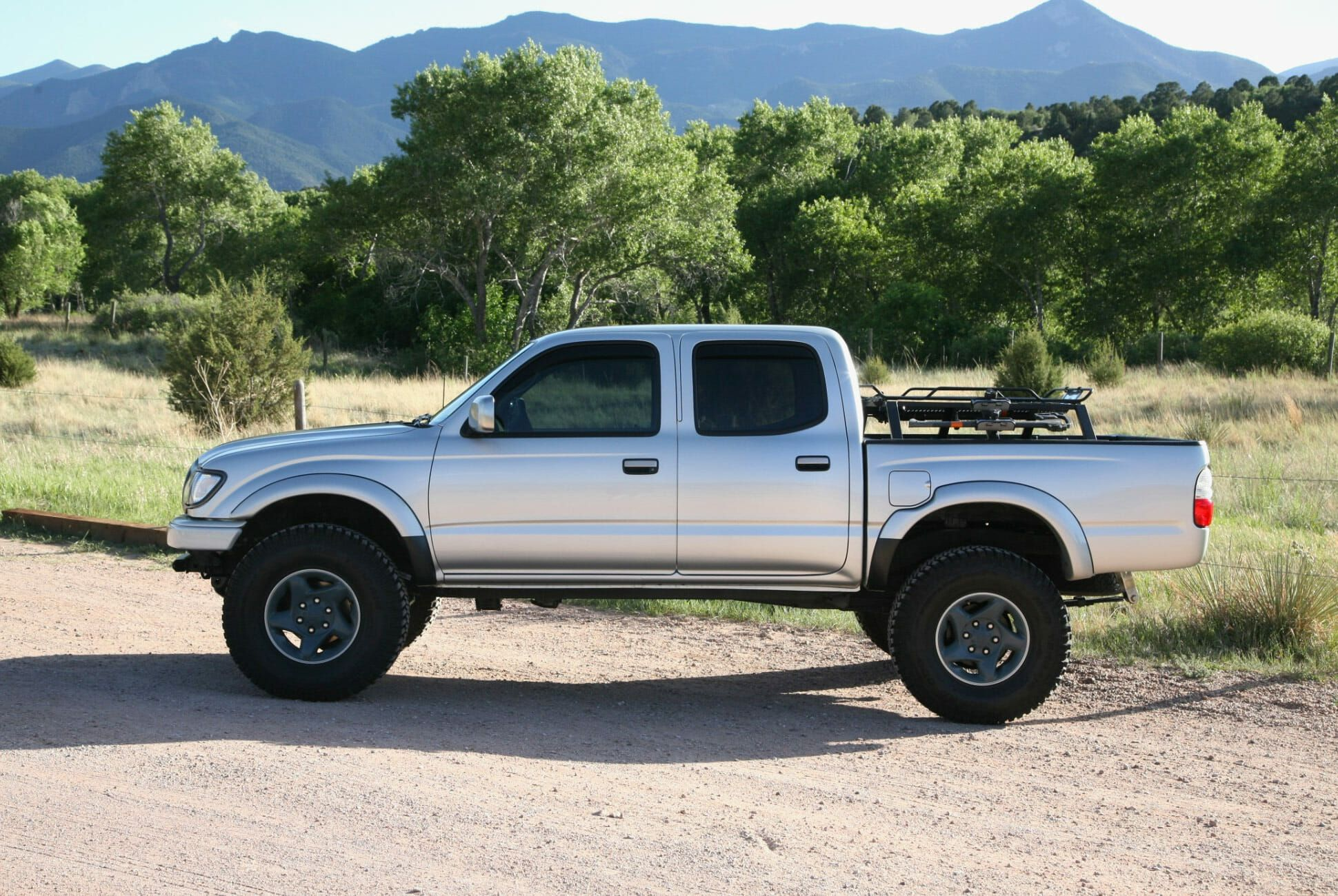 Found-2002-Toyota-Tacoma-TRD-Limited-Double-Cab-slide-2