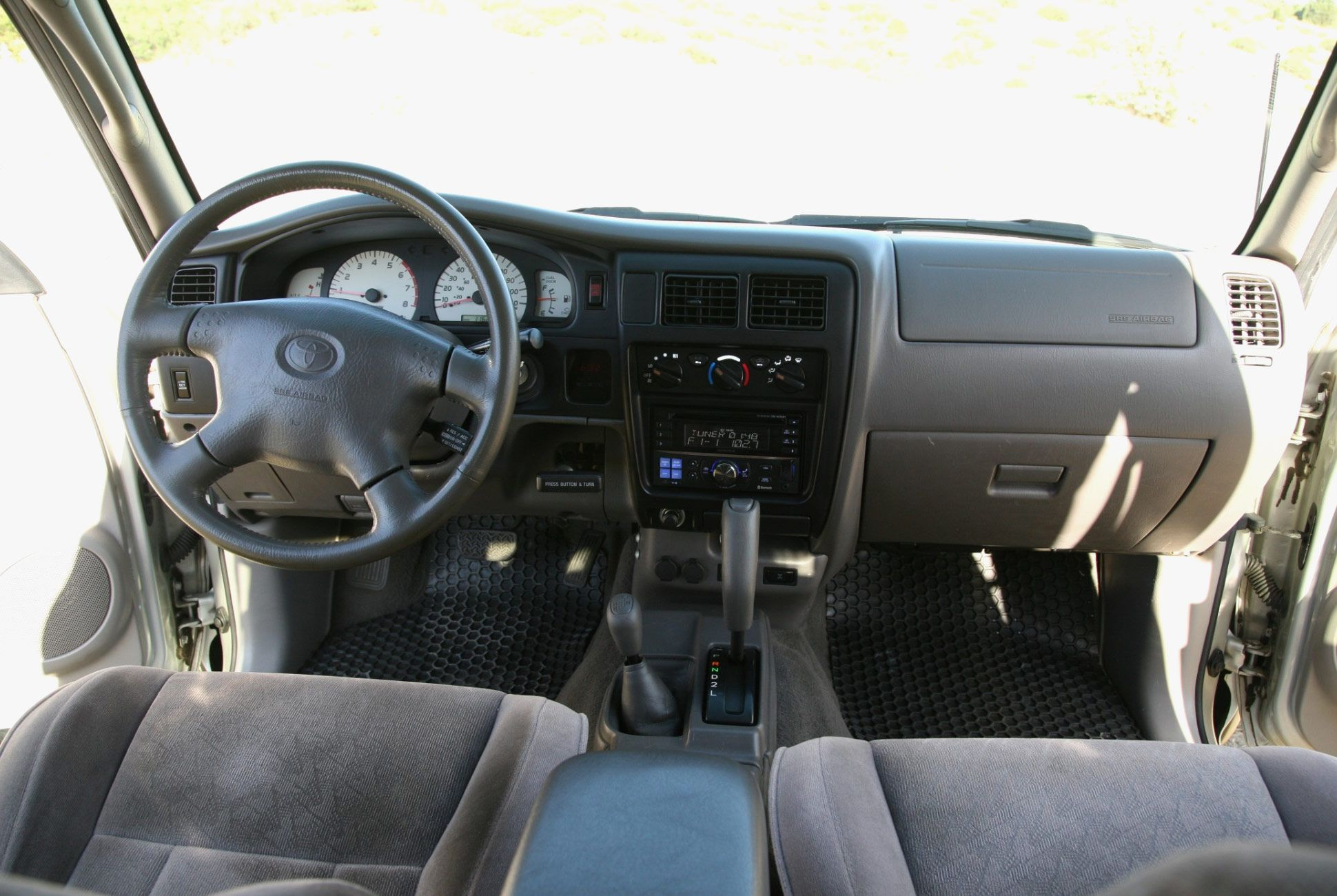 Found-2002-Toyota-Tacoma-TRD-Limited-Double-Cab-slide-6