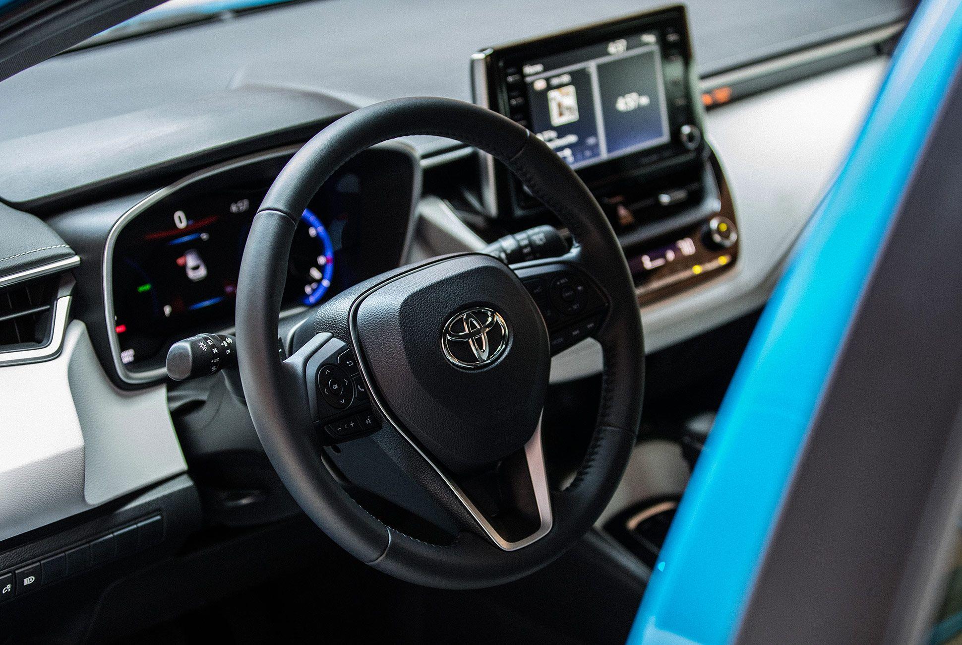Toyota-Corolla-XSE-Hatch-Review-gear-patrol-slide-9