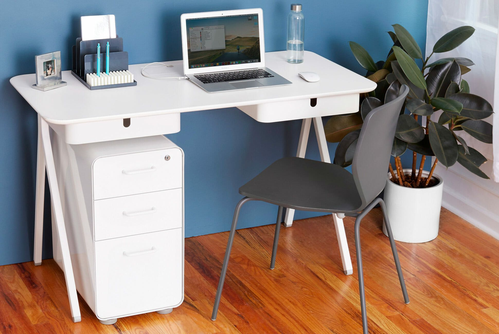 The Best Desks to Deck Out Your Home Office for Every Budget