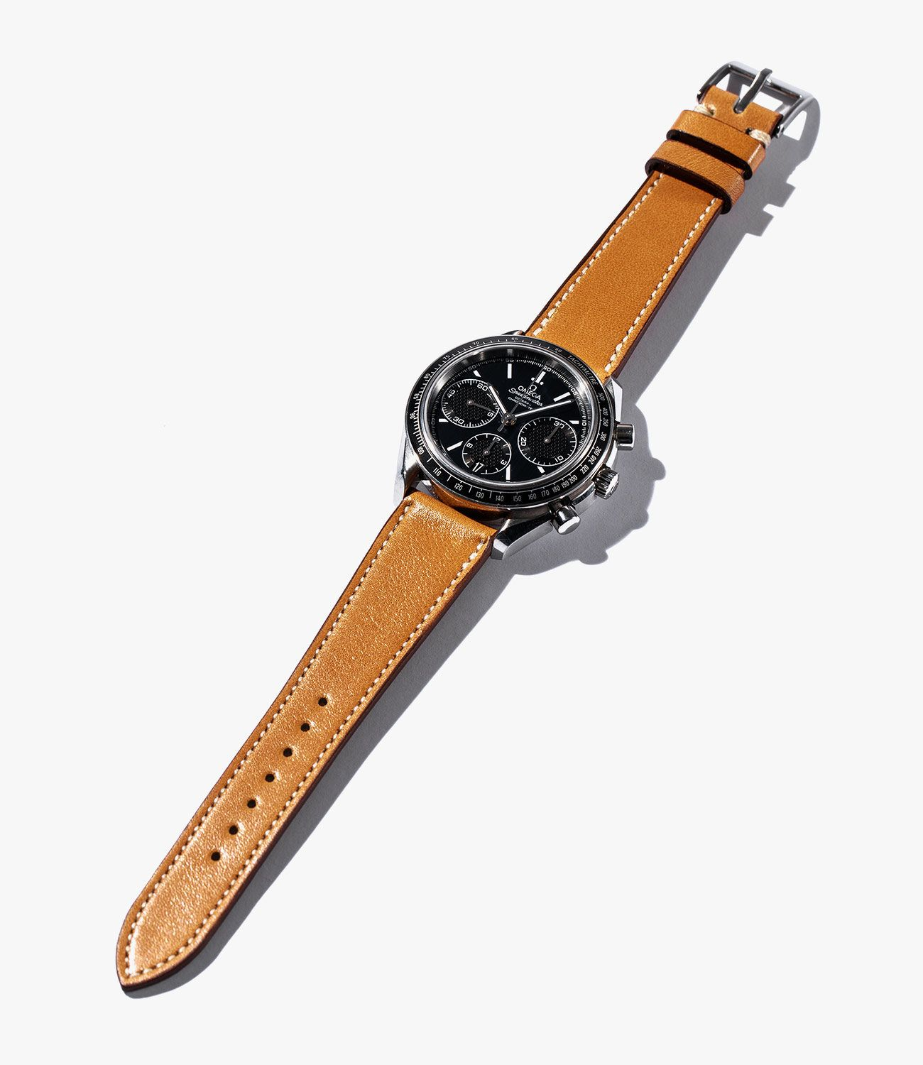 Leather-Watch-Bands-gear-patrol-Crown-and-Buckle-Tan-slide-1