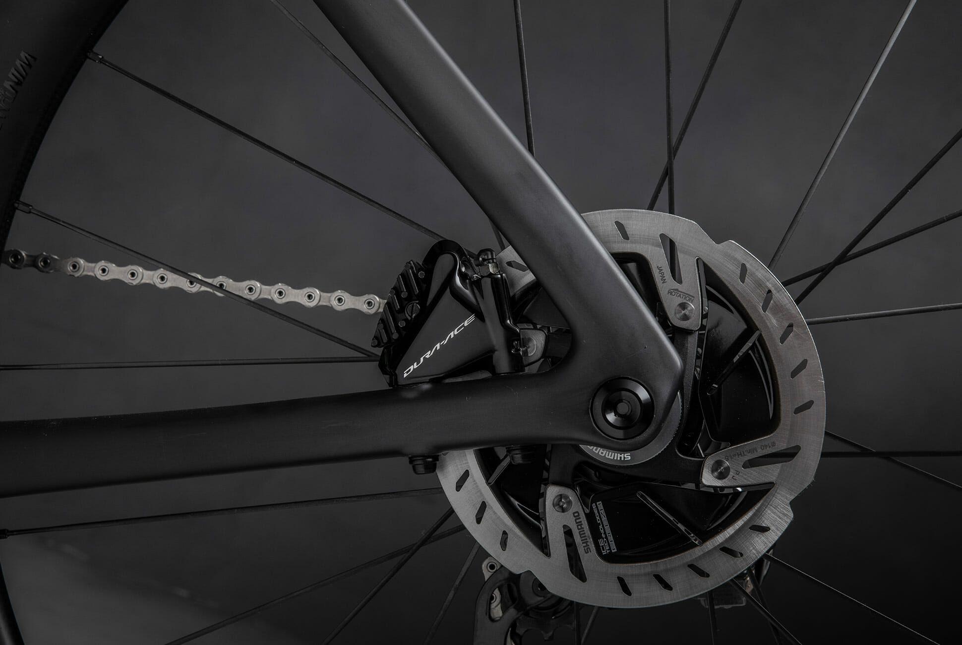 Specialized-S-Works-Venge-Road-Bike-gear-patrol-slide-9