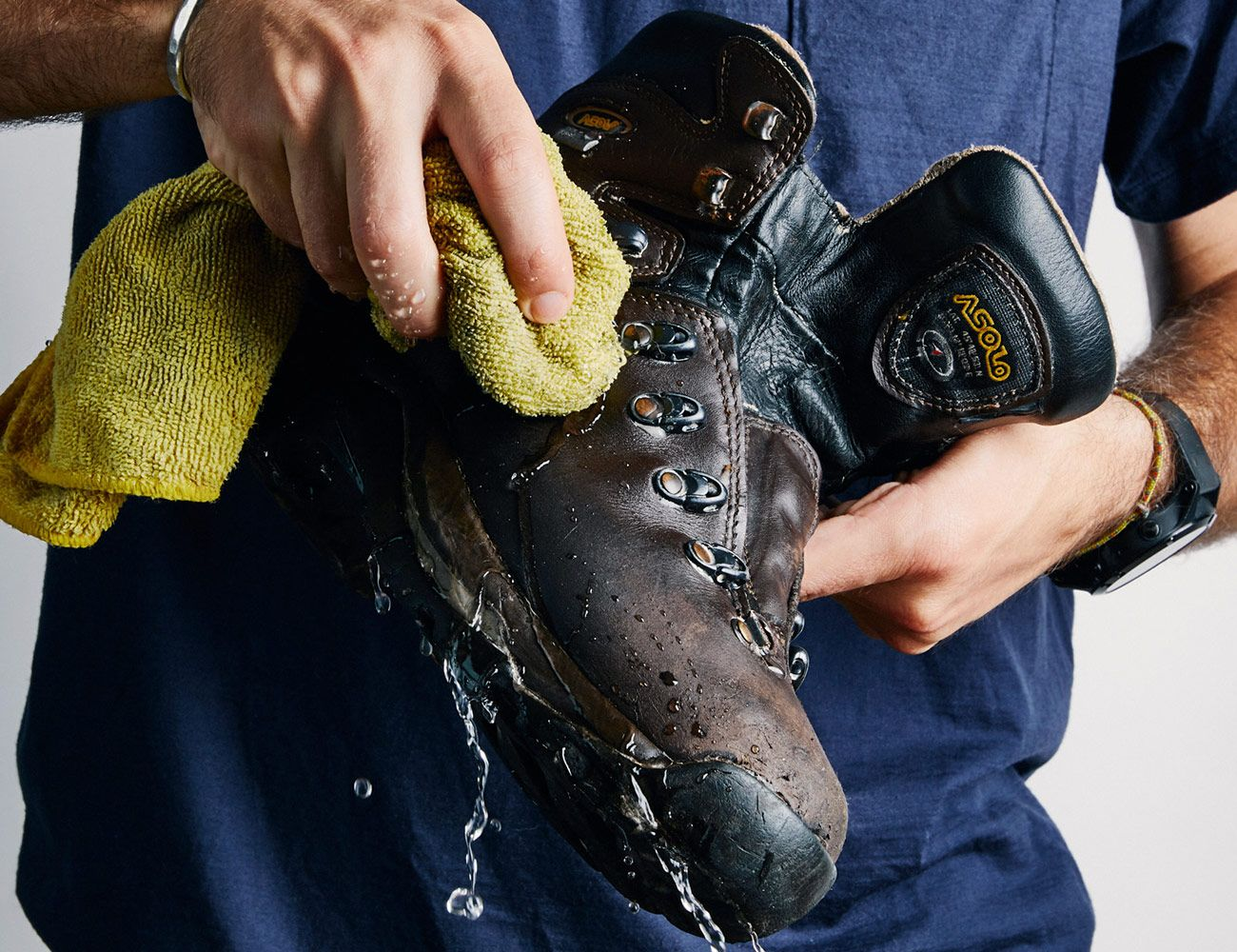 How-To-Clean-Your-Boots-Gear-Patrol-Slide-1